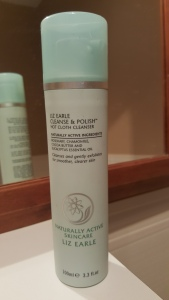 Cleanse and Polish – Hot Cloth Cleanser di Liz Earle