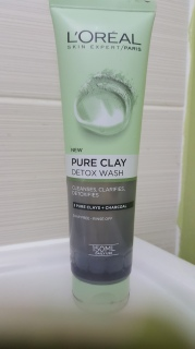 Pure-Clay-Detox-Wash-Loreal-bellezzainthecity