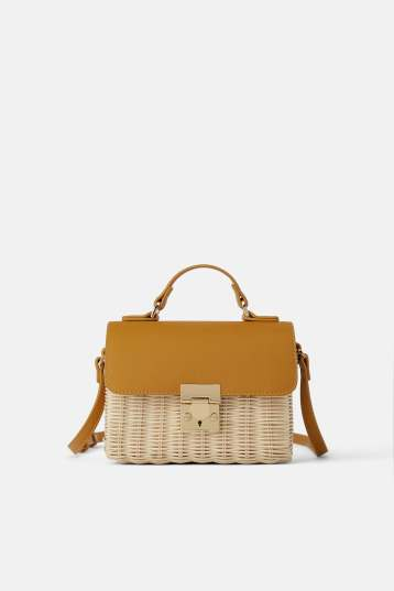 WOVEN MINI CROSSBODY BAG WITH FLAP DETAILS di ZARA